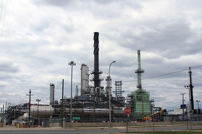 The Marathon tar sands refinery in Southwest Detroit. - EDUARDO GARCÍA