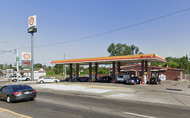 Shell gas station on West Warren. - GOOGLE MAPS