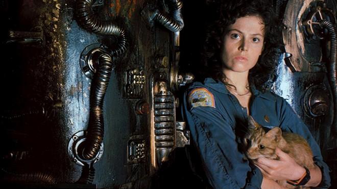 Sigourney Weaver as Ripley and Jonesy the cat. - 20TH CENTURY FOX