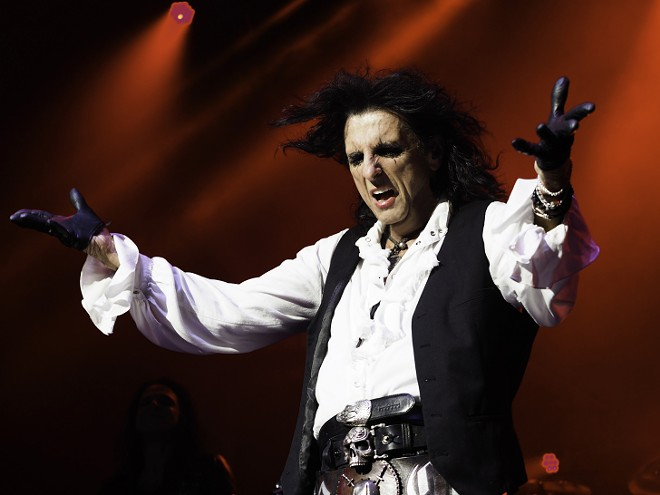 Alice Cooper performing at DTE Energy Music Theatre, 2019. - BROOKE ELIZABETH ART/SONICLIVEMEDIA