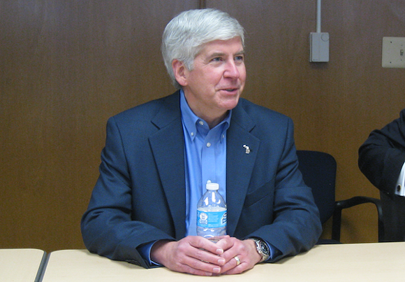 """Snyder says the latest test results in Flint are """"encouraging."""" Federal guidelines call them """"failure."""""""