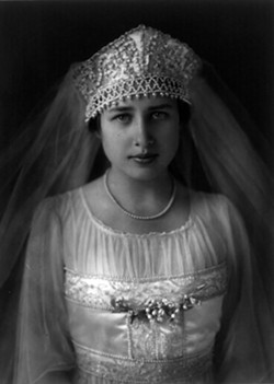 Eleanor Ford on her wedding day in 1916. - PHOTO VIA THE LIBRARY OF CONGRESS