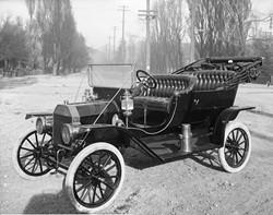 Ford Model-T, 1910 - WIKIPEDIA