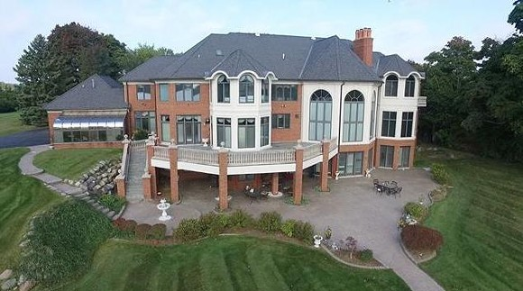 DAMN, THAT'S A BIG-ASS HOUSE | PHOTO VIA OPENHOUSE.COM