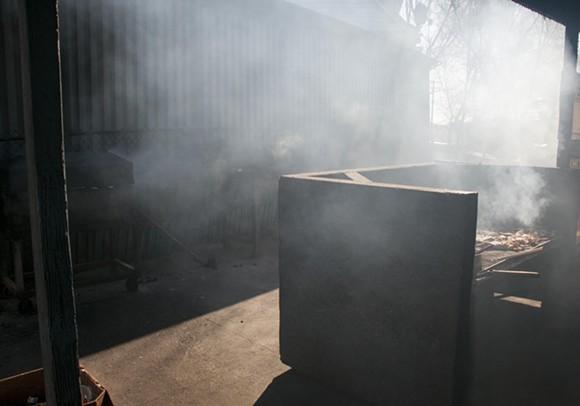 The grill porch at Los Gallos. - PHOTO BY TOM PERKINS