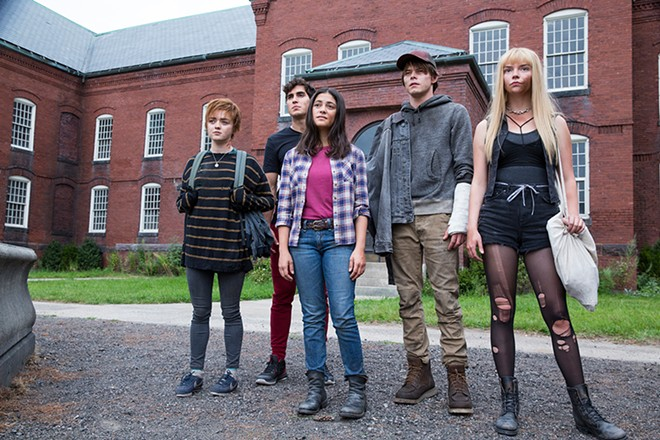 Maisie Williams, Henry Zaga, Blu Hunt, Charlie Heaton and Anya Taylor-Joy in The New Mutants. - TWENTIETH CENTURY FOX FILM CORPORATION