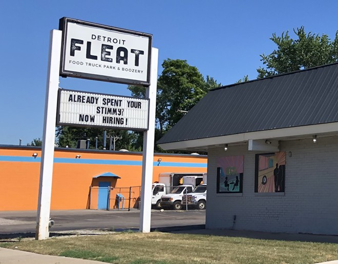 """A Ferndale restaurant's sign blames Michigan's unemployment on the """"stimmy"""" federal pandemic relief checks. - LEE DEVITO"""