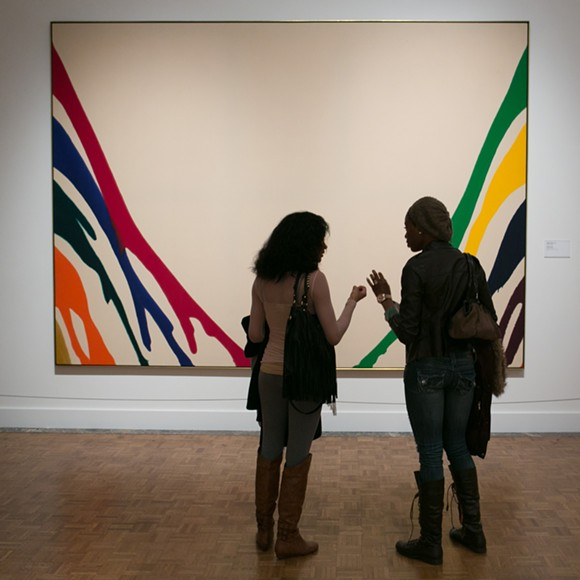 visitors_in_a_contemporary_art_gallery.jpg