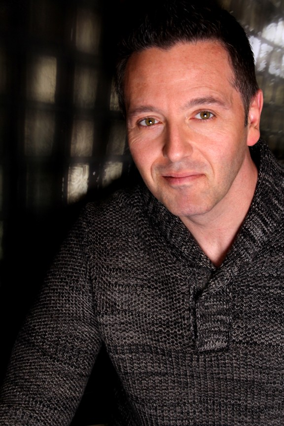 John Edward will give readings at the Detroit-Dearborn Doubletree on Tuesday, April 4. - COURTESY PHOTO