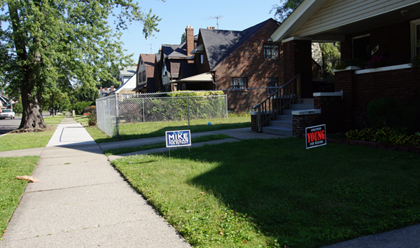 Campaign signs on Lakewood Street in Detroit. - VIOLET IKONOMOVA
