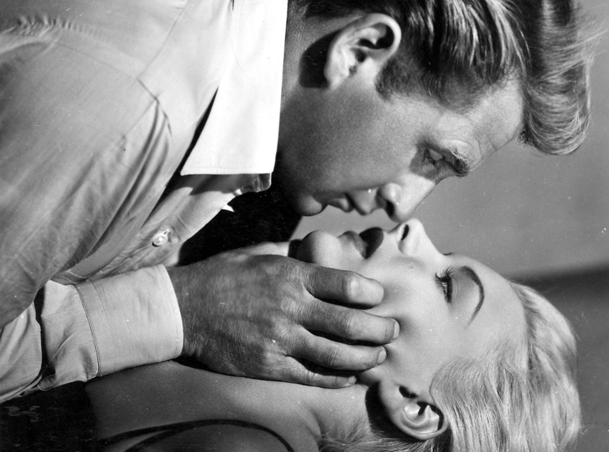 Lloyd Bridges and Barbara Payton in Trapped.