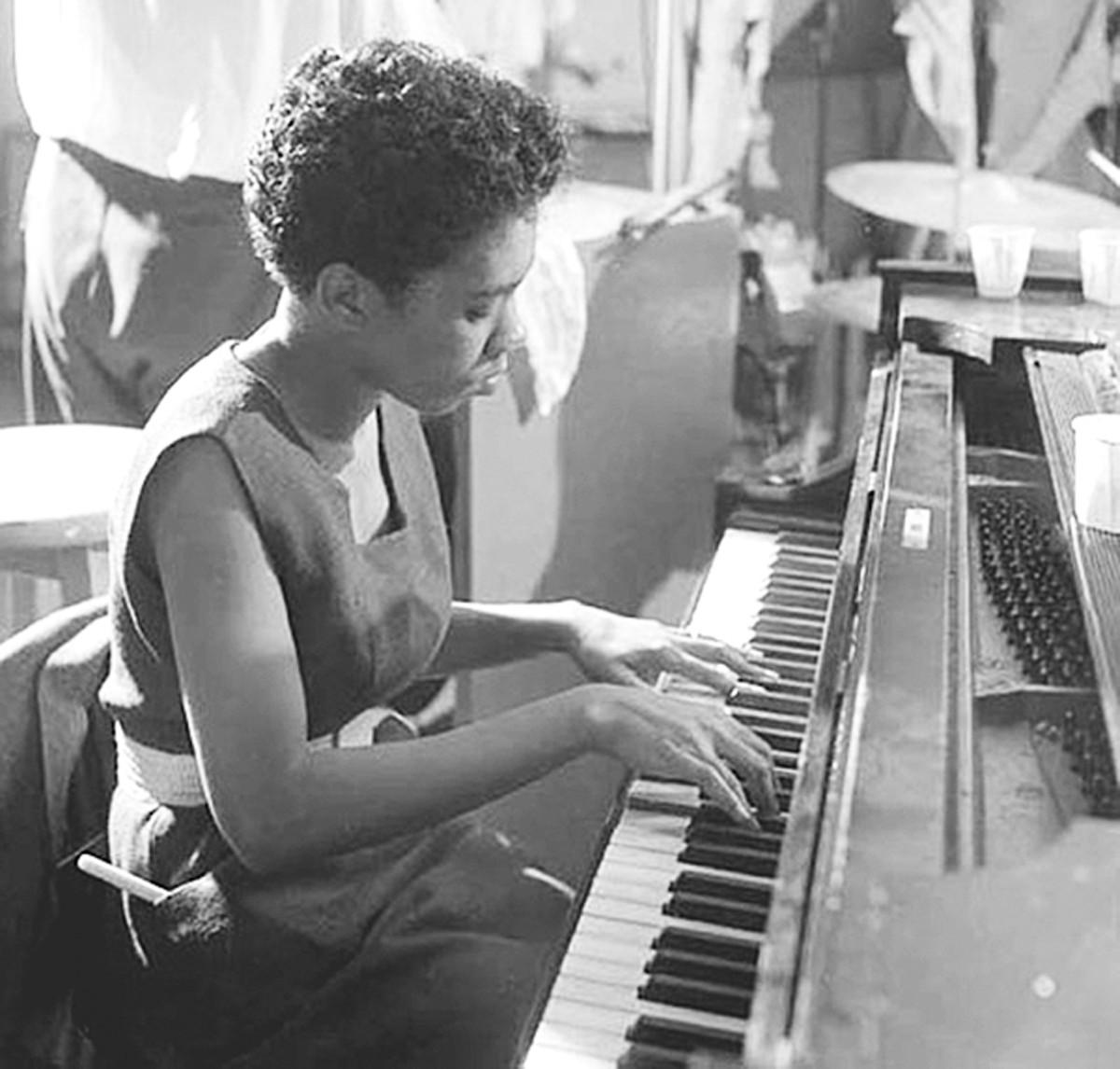 terry_pollard_-_nyc_1955_photo_by_herman_leonard.jpg
