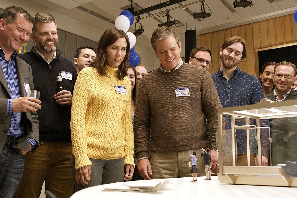 Kristen Wiig and Matt Damon in Downsizing.