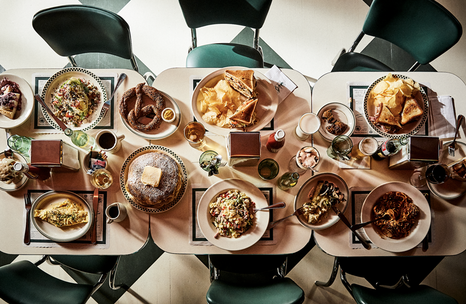 A full table at Karl's. - CHRISTIAN HARDER 2019