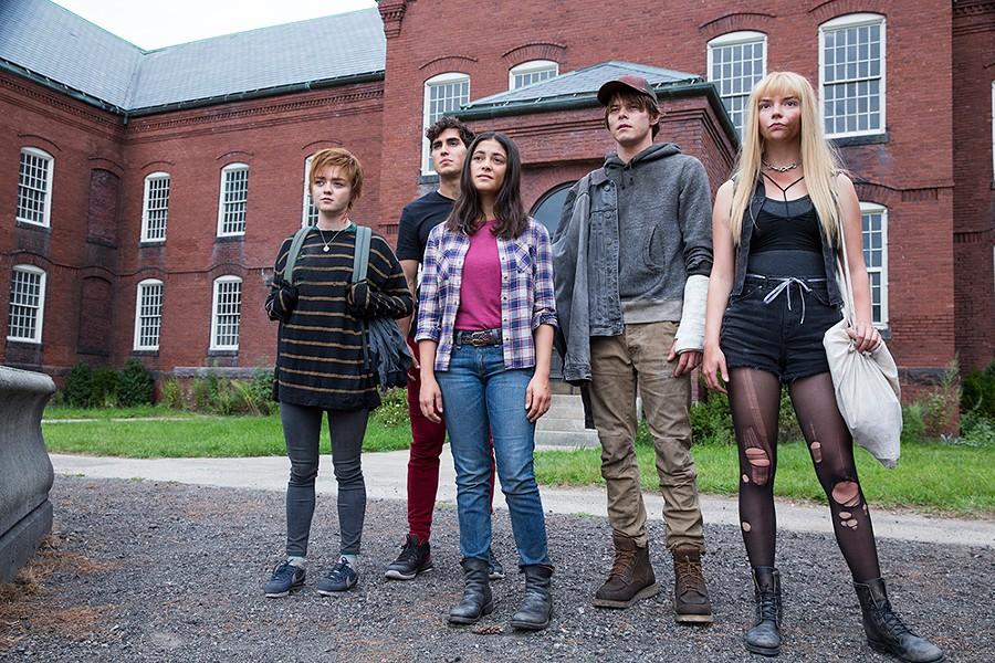 Maisie Williams, Henry Zaga, Blu Hunt, Charlie Heaton and Anya Taylor-Joy in The New Mutants. - TWENTIETH CENTURY FOX FILM CORPORATION