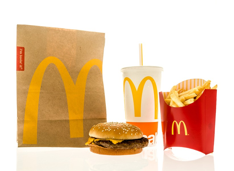 We'll take an order of recycled packaging, with a side of no deforestation - STOCK IMAGE