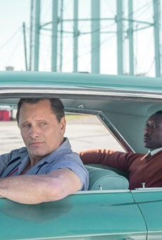 Review: Peter Farrelly's directorial debut 'Green Book' is a bout a real-life odd couple