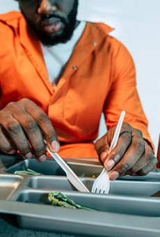 Inmates: Problems persist in Michigan prison kitchens