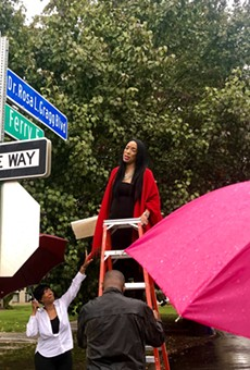 The new sign was unveiled by the granddaughter of Gragg, Lauren A. Gragg, who traveled from Palm Beach, Florida, to present this special commemoration of her grandmother.