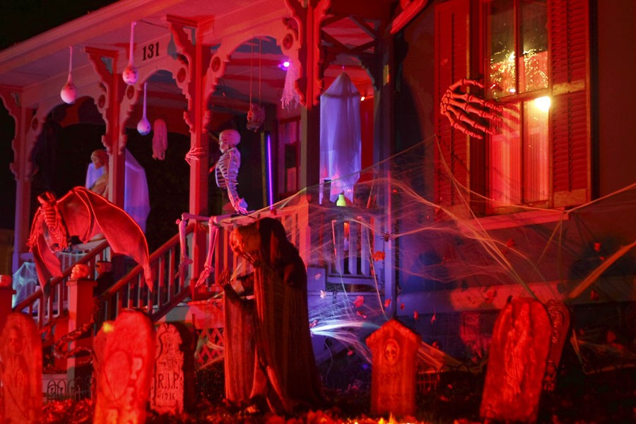 "Terror on Tillson Street, Wednesday, Oct. 31, Romeo. - FLICKR USER ""(^^RAVIN^^)"""