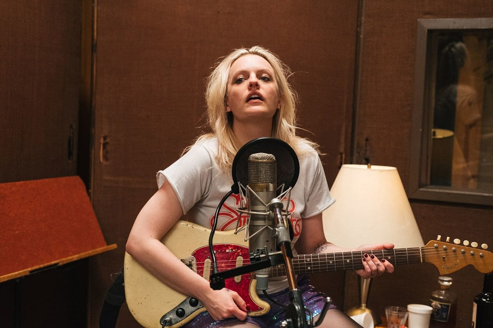 Review: Elisabeth Moss self-destructs in 'Her Smell'