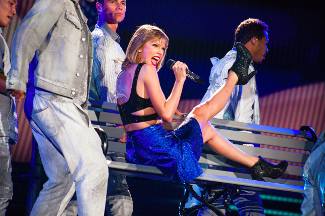 Concert Review Observations From Taylor Swift S 1989 Tour In 2015 City Slang