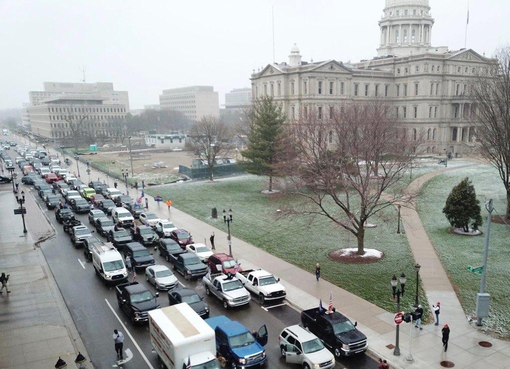 People Protest Whitmer S Stay At Home Order By Creating Traffic Gridlock Not Adhering To Social Distancing News Hits