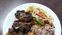 A new Jamaican restaurant is serving jerk chicken and curry goat in Warren
