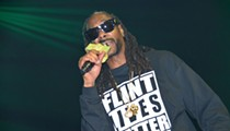 Snoop Dogg meets with Flint's mayor