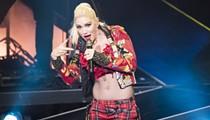 Gwen Stefani brings out country boo thang Blake Shelton during Detroit show
