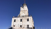 Dear Nicole Curtis, please remodel this dirt cheap lighthouse residence