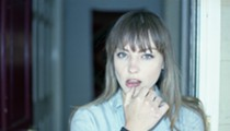 Angel Olsen gives chill-ass vibes in this chaotic-ass world