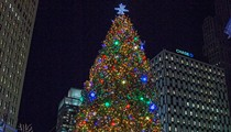 Here comes Detroit's Christmas tree