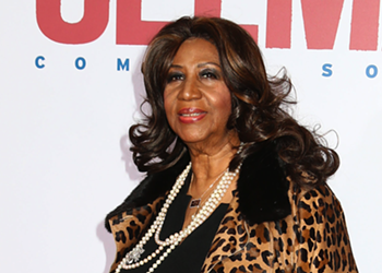 Aretha Franklin dies surrounded by loved ones at age 76