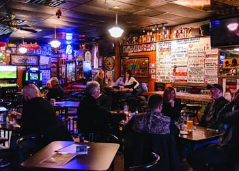 Raise the bar: Wyandotte's Oak Cafe is as good as it gets