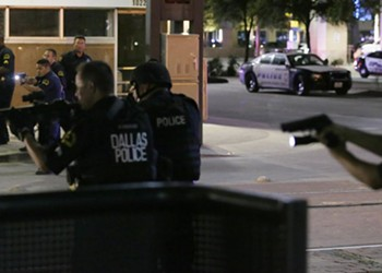 Flint's mayor, Gov. Rick Snyder, and other politicians address Dallas shooting