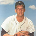 Former Tigers' pitcher Mickey Lolich joins writer Tom Gage for book signing at DIA