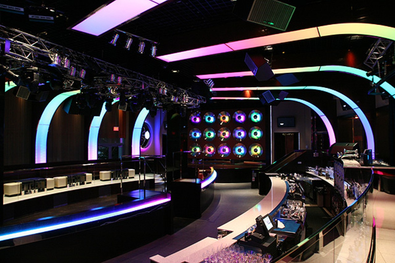 Mar 24, · Answer 1 of My girlfriends and I are staying at MGM April and are wondering what the best nightclubs are either near or in MGM. We love to dance! Also, anyone have any good suggestions for restaurants that are tasty but won't break the bank?