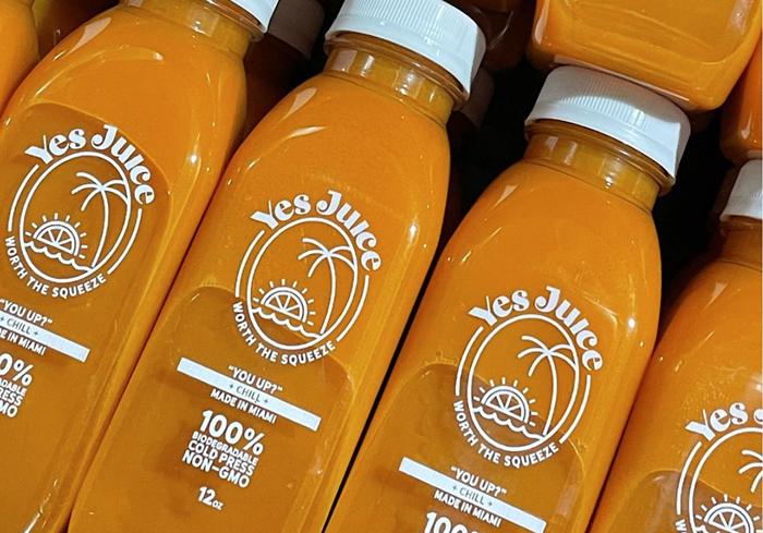 La gourou du style de vie de Miami, Julieanna Goddard, partage son amour de tout ce qui est soucieux de sa santé avec Yes Juice, maintenant ouvert à Miami Beach.  - PHOTO AVEC L'AUTORISATION DE YES JUICE