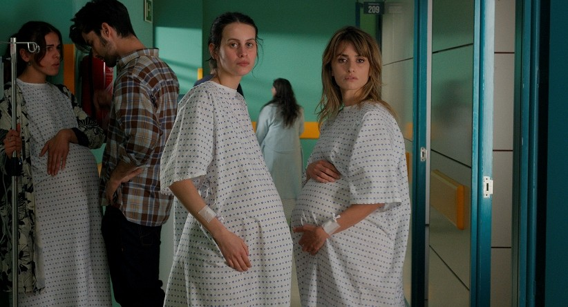 Penélope Cruz stars in Parallel Mothers.