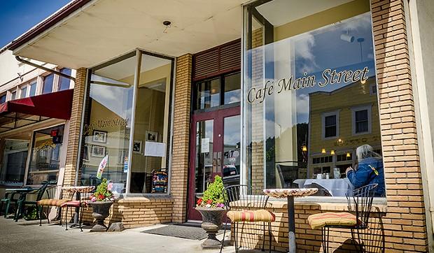 cafe_main_street_magnum.jpg