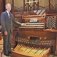 Doug Moorehead with Kegg organ