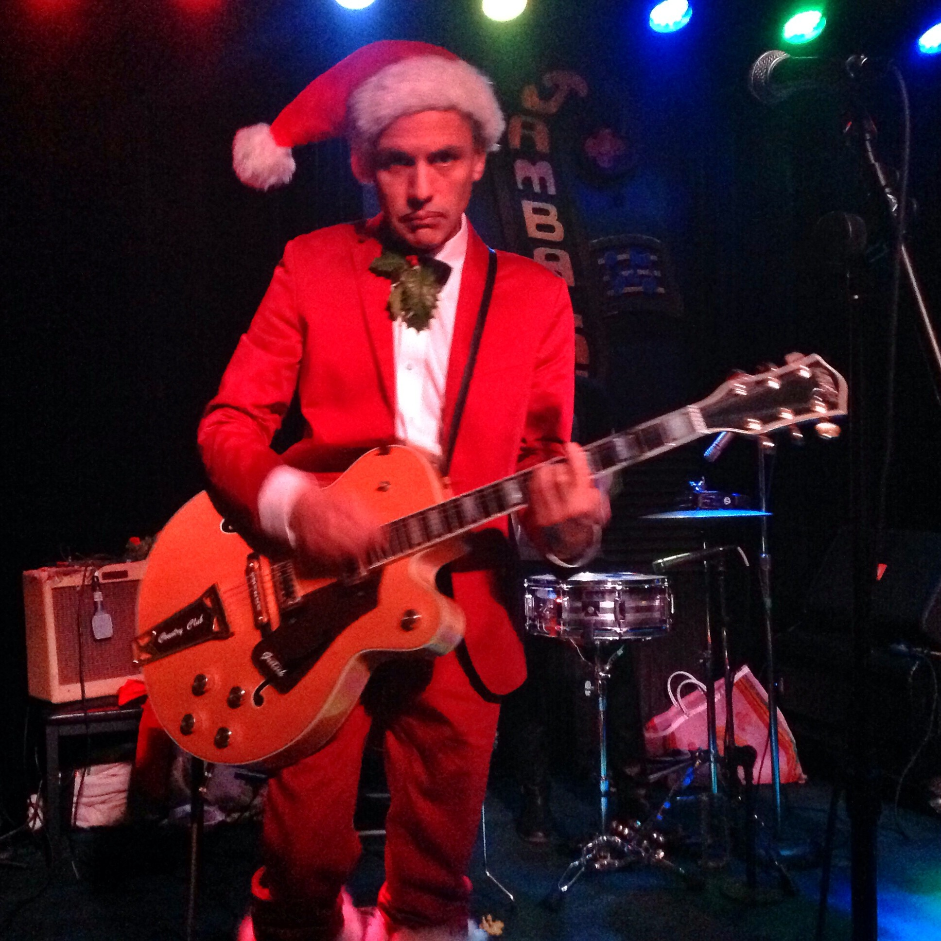 El Vez at the Jamabalaya Tuesday night. - BOB DORAN