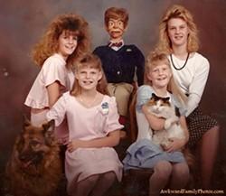 AWKWARD FAMILY PHOTOS - Family Portrait