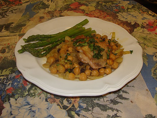 Georgian Chicken Thighs With Chickpeas. Photo by Darius Brotman.