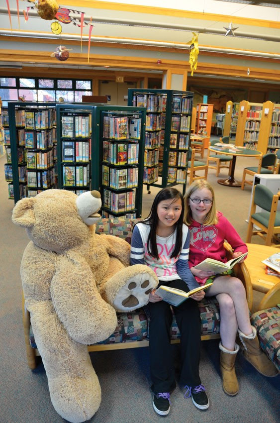 Hannah and Hope Crossley at the Humboldt County Library - PHOTO BY CHUCK LEISHMAN