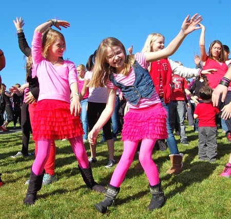 v-day-flash-mob-4.jpg