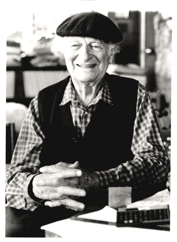 Linus Pauling at age 86 (National Library of Medicine, Public Domain)