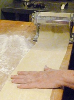 PHOTO BY SIMONA CARINI - Making the pasta