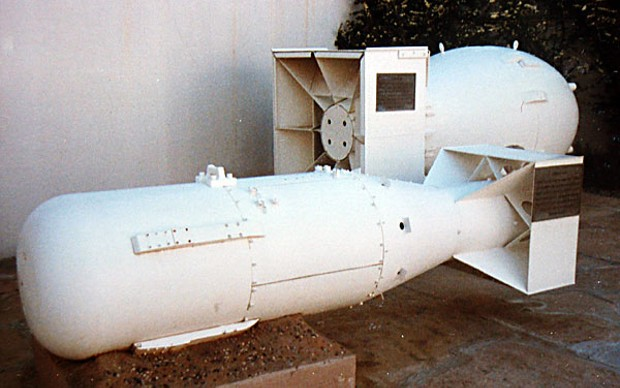 "Mock-ups of the Hiroshima ""Little Boy"" uranium (gun-design) bomb and Nagasaki ""Fat Man"" plutonium (implosion) bomb, Los Alamos National Laboratory Museum. Author photo."